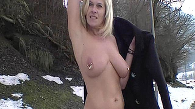 Marina nackt
