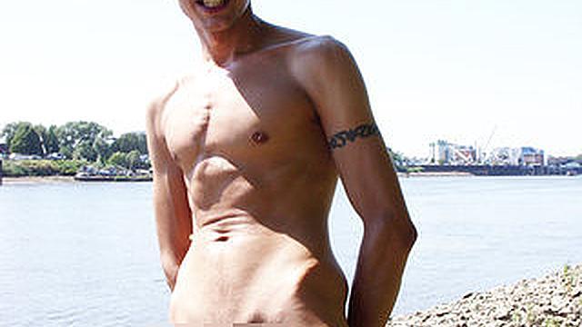 Nackt sonne sex Gets In