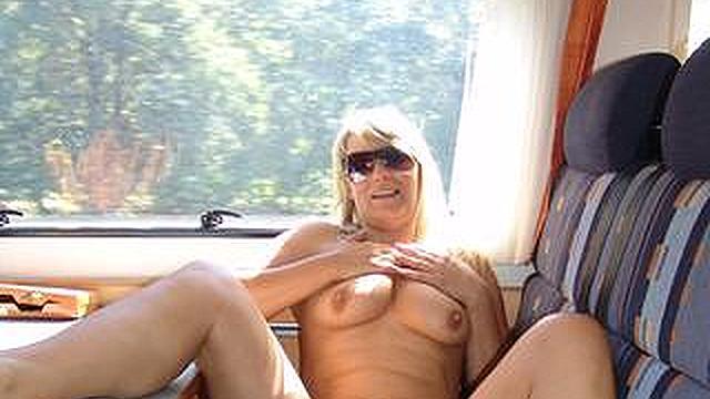 Wohnmobil nackt Selbstgefilmter Sex